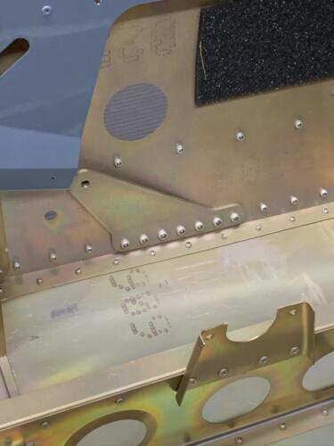 RH Outer Seatbelt Bracket Without AN5-5A Bolt